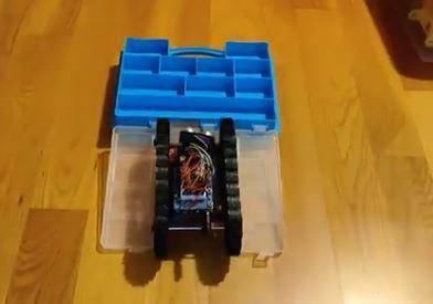 El robot de 20 € realizado por profesores de Vigo que se utiliza en centros de Latinoamérica
